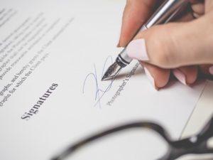 Podpis smlouvy s Porubou